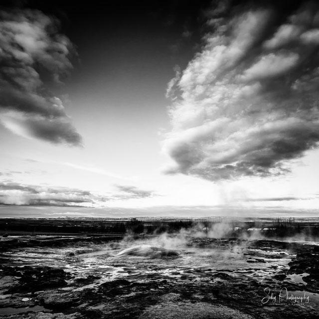 Island, Strokkur - Geysir, Dampfblase, 2015, © Silly Photography