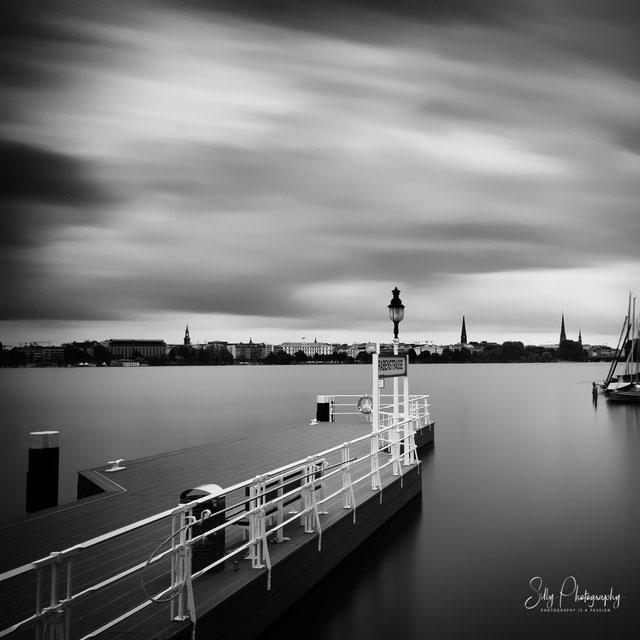 Hamburg / Außenalster / Alsteranleger Rabenstraße, Langzeitbelichtung, 2014, © Silly Photography