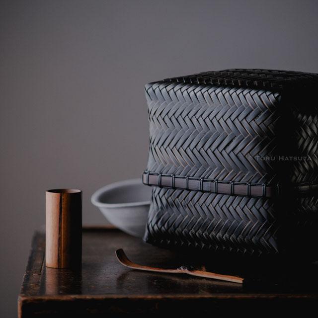 竹組茶籠 銘『武蔵野』、煤竹茶巾筒、煤竹旅茶杓