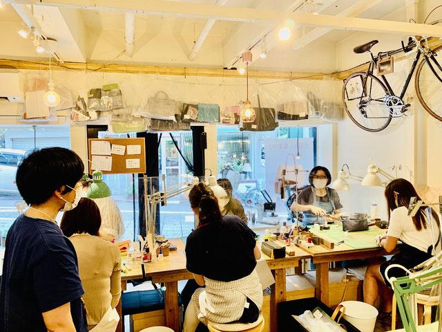 レザークラフト教室ヨコハマセリエの横浜元町教室5