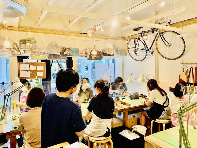 レザークラフト教室ヨコハマセリエの横浜元町教室