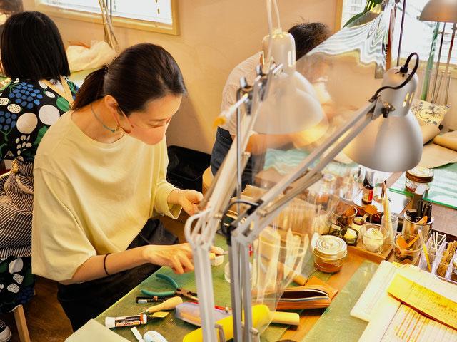 レザークラフト教室ヨコハマセリエ東京教室ペンケース作り