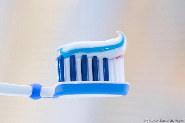Für welche Zahnpasta soll ich mich entscheiden? Tipps vom Zahnarzt!