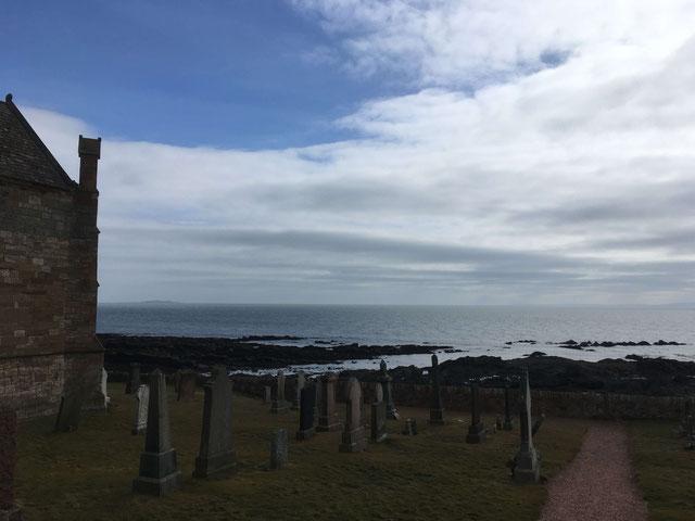 Friedhof mit Aussicht in St. Monans
