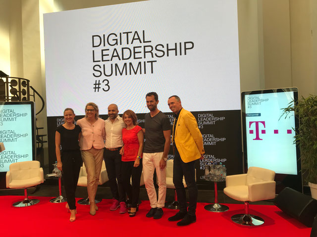 Digital Ledership Summit #3, v.l.n.r.: Eva Nöll (Mister Spex), Felicitas von Kyaw (Vattenfall), Dr. Reza Moussavian (deutsche Telekom), Ursula Vranken (Veranstalterin) Stephan Grabmeier (Kienbaum Consultants), Joachim Vranken (Veranstalter)