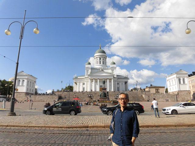 ヘルシンキ大聖堂前 周辺にも電柱はない