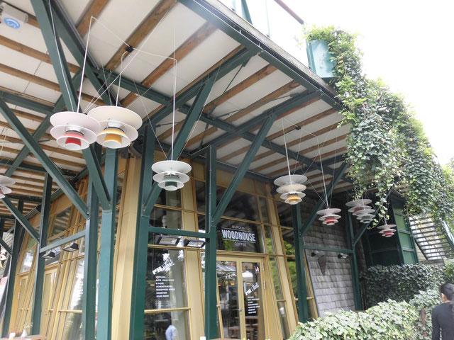 tivoli公園内のレストラン照明