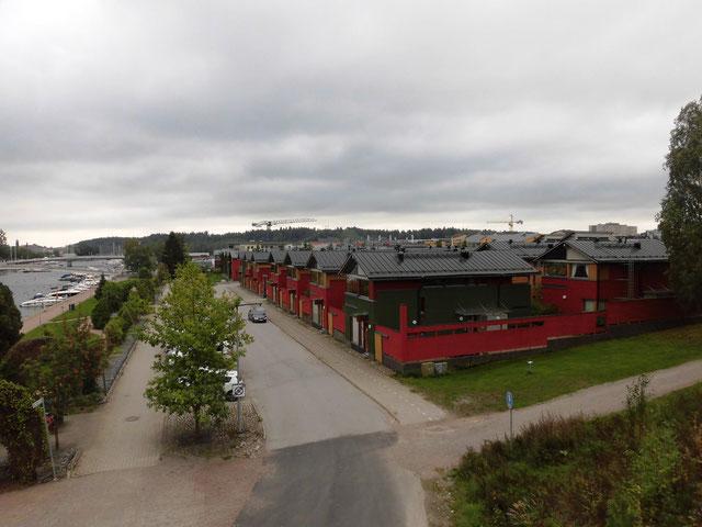 ヘルシンキ郊外 ポルヴォーの新興住宅地も電柱がない