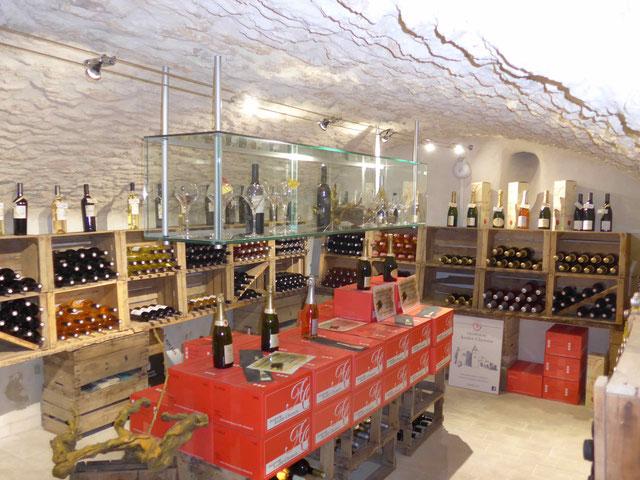 Une belle gamme de vins pour ce caviste à Robion: Domaine de Fondreche, Perpetus, Fontenille