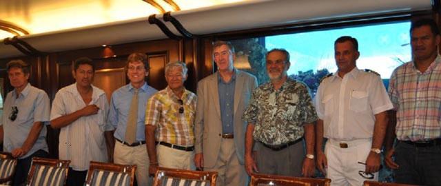 14 Sept. 2012; A bord du GOLDEN SHADOW . Captain Phil RENAUD entouré de Jean TAMA Président du Conseil économique, social culturel de Polynésie française et de Tony ADAMS.