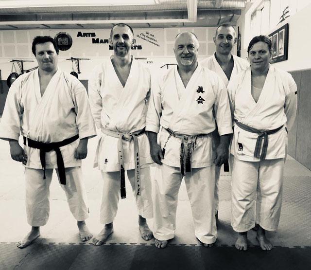 Stage de karate Makotokai avec Sensei Paolo Bolaffio un expert à découvrir la team KDBA était présente et ont appréciés la qualité des cours mais aussi l'homme sympathique plein d'humour et d'humilité.