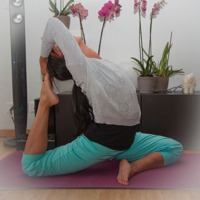 Grenzen ausloten. Vinyasa Yoga, Power Yoga Kurs, Yoga für Senioren, Yoga Ausbildungen, Yogalehrer Ausbildung. Kinderyoga. Yogalehrer Ausbildung (Yoga Teacher Training), Meditationslehrer Ausbildung / Meditation Ausbildung in Zürich Oerlikon