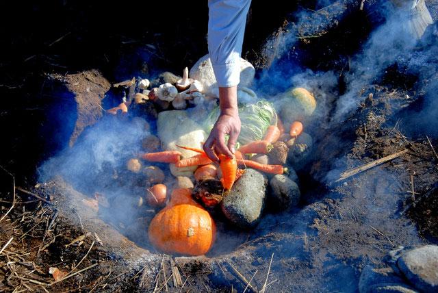 土と自然石と炎だけの「アースオーブン」@すどう農園