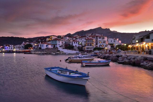 523. Haven Kokkari Samos Griekenland bij zonsondergang