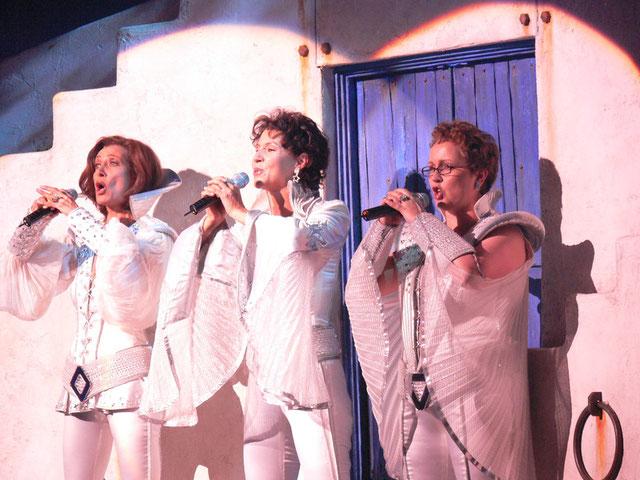 SUPER TROUPER als Donna mit Iris Schuhmacher & Betty Vermeulen