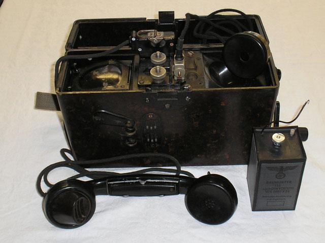 Feldfernsprecher mit Zubehör von 1941, Hersteller Ferdinand Schuchardt AG Berlin.