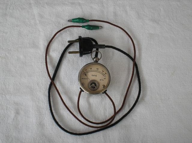 Kapazitäts - Prüfgerät von Unbekanntem Hersteller. Fertigungsjahr ca. 1910