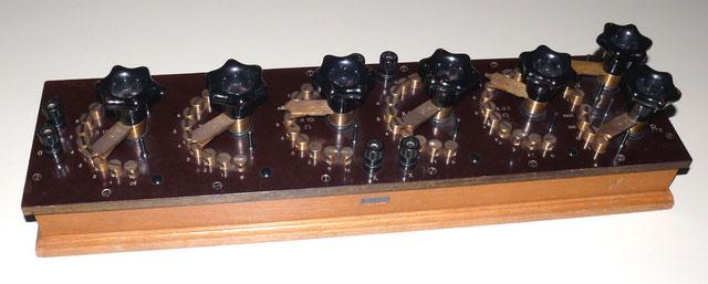 Widerstands Messbrücke mit Galvanometerkreis von 0,1 Ohm bis 11,111 k Ohm von 1938.