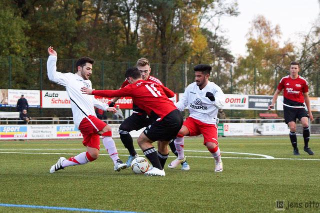 Starke Leistung von Alban Ademi und Ivo Pfalz (re.) im Spiel gegen die SC Defensive