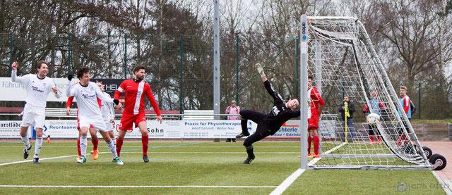 Nach einem Eckball erzielte Matthias Pape das hochverdiente 1:0 per Kopfball