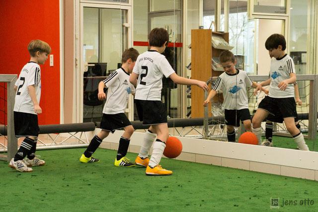 Show Turnier unserer Junioren bei unserem Hauptsponsor dem Autohaus Schubert