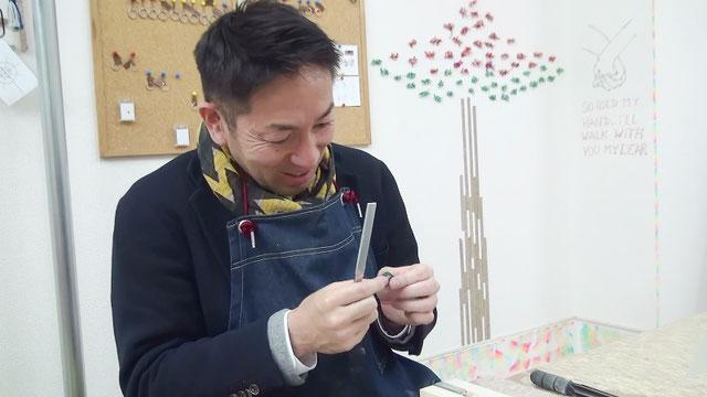 東京の工房で自分で婚約指輪を手作り