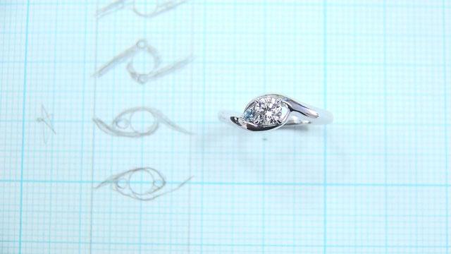 完成した手作り婚約指輪
