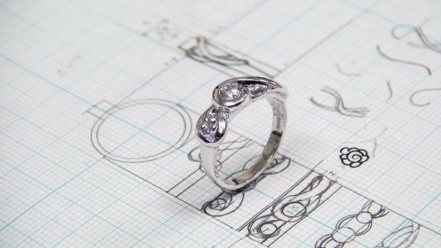 夏の花がテーマの婚約指輪