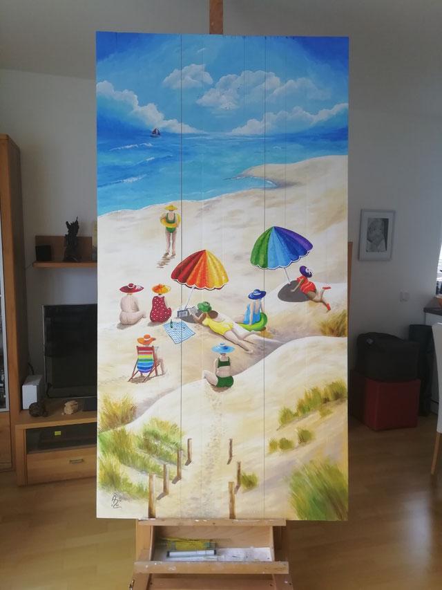 Holztür bemalt für ein kleines Gartenhaus, Vorgabe: Naive Malerei einer Strandszene mit Frauen und Regenbogenfarben 🌈, 200 x 104 cm  Acryl
