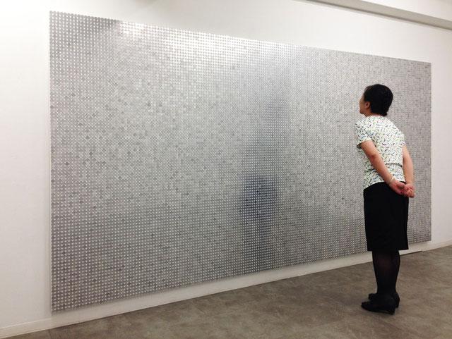 Ⓒ山本雄教|yukyo yamamoto ≪Wall of aluminum≫ 180.0×360.0cm  一円硬貨 2014
