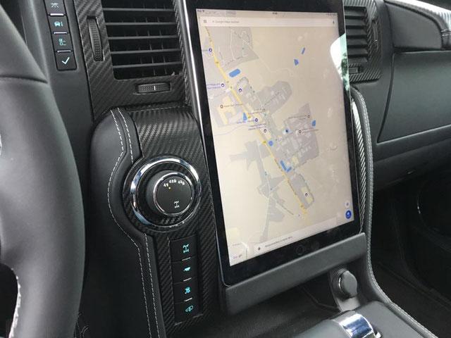Hummer H2 im Tesla Style