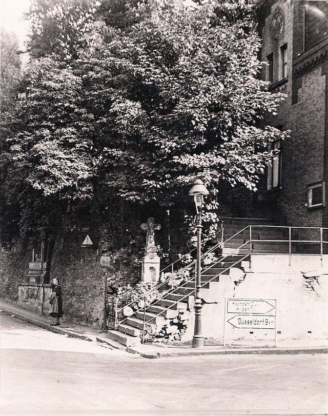 Wegkreuz an der Kreuzsstraße, 1948. Foto: Bildarchiv Horst Osmann
