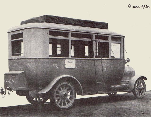 Le premier bus de l'AVJ