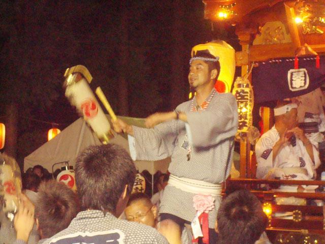 平成22年度 琴平神社祭礼 神社境内に山車が帰還 若者頭と若衆が、新和下座連さん演奏の佐原囃しに乱舞!!