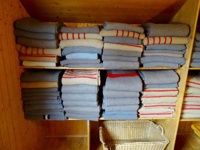 .... aber zum Glück hat es dann genug Wolldecken für die Nacht!!!