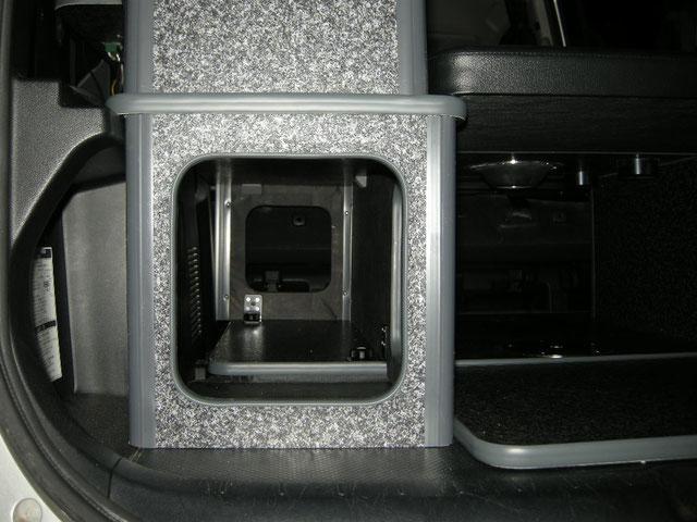 VOXYやNOAHで車中泊するならOSPのライトキャンパーが最高です!