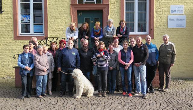 Team der Tiertafel RheinErft e.V.  - leider nur fast vollständig