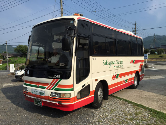 バス車両 小型24人乗りサロンバス 外観