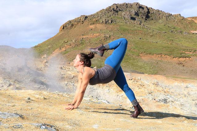 MacKenzie Miller  im Interview  Schwangerschaft Schwangerschaftsyoga Prenatal Pränatal MOMazing Yoga Mama Mami Blog