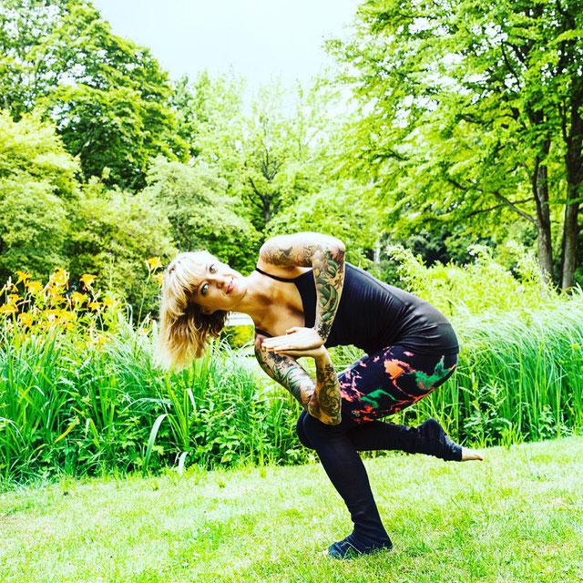 Zweifach-Mama und Yoga-Lehrerin Jelena Liebermann im Interview mit dem Mama Yoga Blog MOMazing.