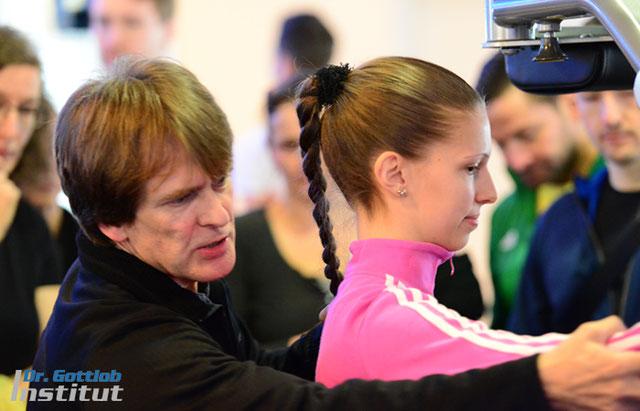 Hüft-/Beinregion und Arme Lehrgang Dr. Gottlob Institut für Personal Trainer, Physiotherapeuten, Ärzte, Fitnesstrainer usw.