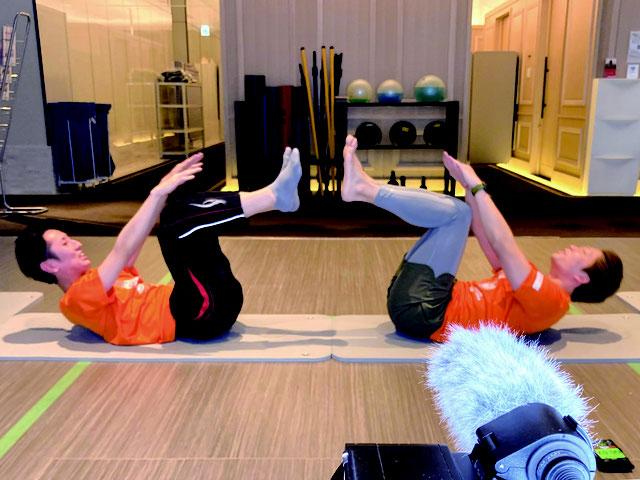 腸を支える筋肉や、排便する時の力を保つ「腸腰筋」「骨盤底筋」を鍛える7種類の筋トレをレクチャー。