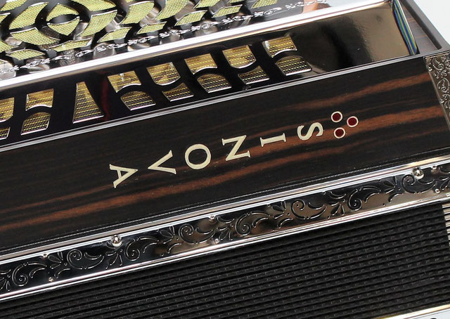 Knopf-Akkordeons