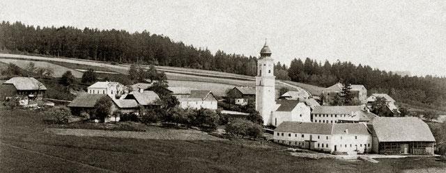 Kopfing vor 1900 - rund um Pfarrkirche mit Friedhof und Pfarrhof (Nr. 1).