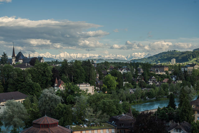 Bern, Blick von der Terrasse des Bundeshauses auf die Alpen, 6. Juni 2017, abends, Sony A7RII, Zeiss Otus 55.