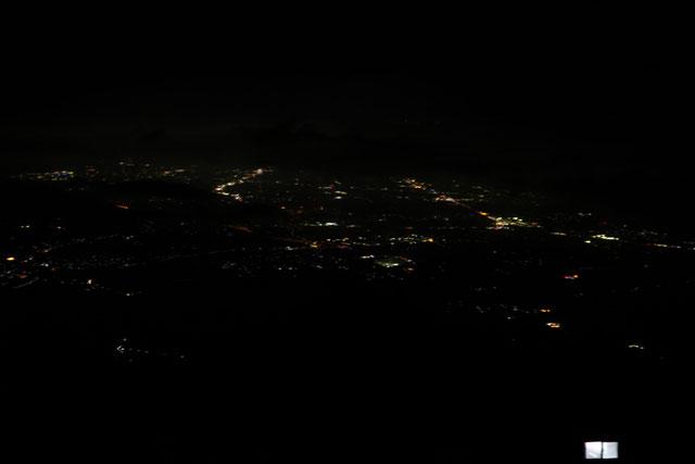 弥山山頂からの夜景    ※右手前は避難小屋の明かり
