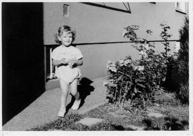 Im Garten ca. 3 Jahre alt