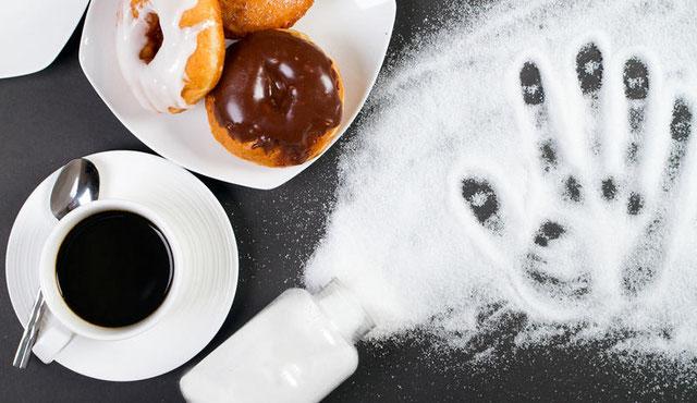 Zucker ist aus unserem Alltag kaum wegzudenken. Dennoch täte es gut den Zuckerkonsum runterzufahren - © Shutterstock