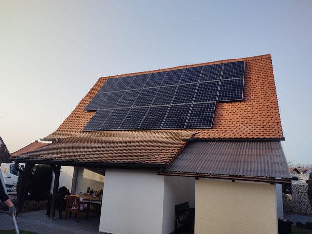 Installierte Solaranlage von Kunden, die sich schon pro Solaranlage entschieden haben © iKratos