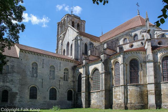 Bild: Rückseite der Basilika Sainte-Marie-Madeleine
